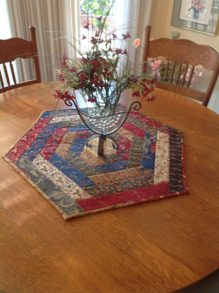 Best 25 Table Toppers Ideas On Pinterest Quilted Table
