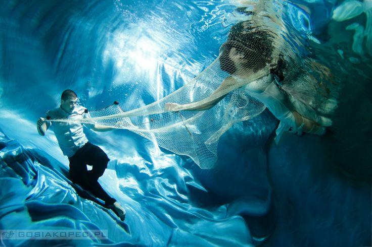 just married:)  underwater photography, underwater bridal,  fotografia podwodna, zdjęcia podwodne, www.gosiakopec.pl