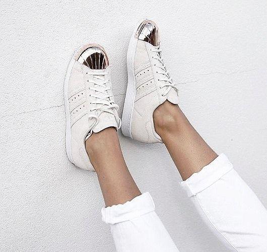 Die letzten Größen des adidas Superstar 80s Metal Toe gehen gerade im Sale über den Tisch ... Hier entdecken und shoppen: http://sturbock.me/rC0