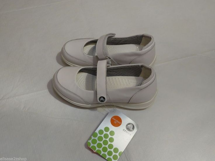 Crocs Saffron W4 Work shoes nursing standard fit white women's kids adult lock #Crocs #WorkSafety