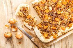 Ilustrační foto ke článku Cibule, ančovičky, rajčata? Výsledkem je geniální slaný koláč!