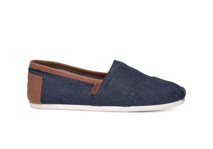 With more cushioning than ever, our Classic Alpargatas are a must-have. Featuring a denim upper, the easy slip-on style goes with almost everything in your closet.