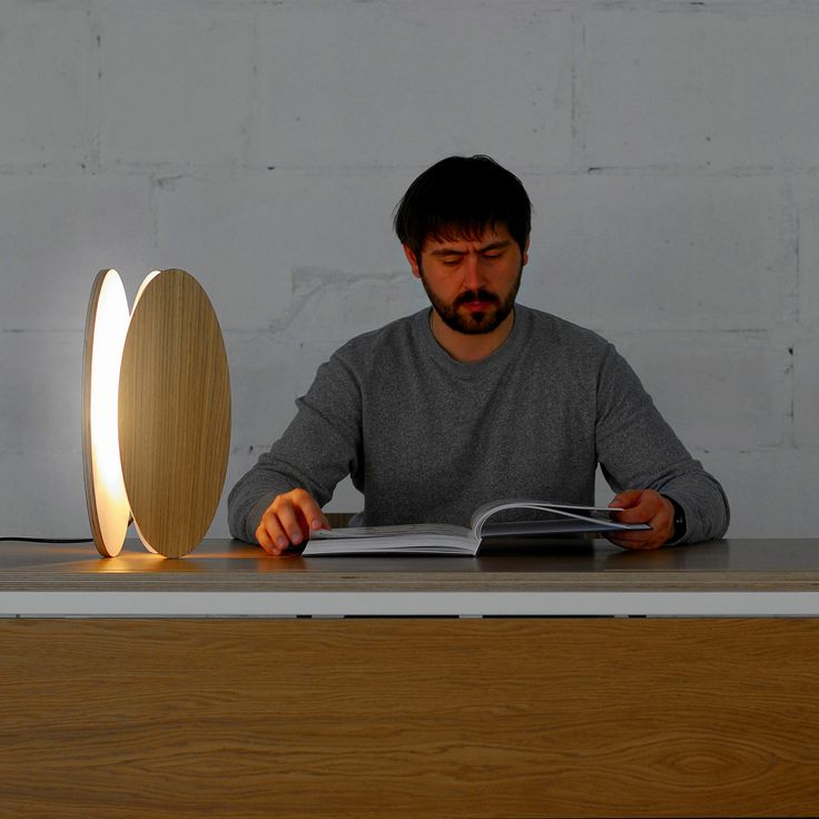 Made in Ukraine: настольная лампа Ova, дизайнер Максим Войтенко, фото http://goodroom.com.ua/mag/lampy-ova-ot-maksima-vojtenko-dlya-odesd2/ #Interiors #lighting #lamp #design #Ukraine