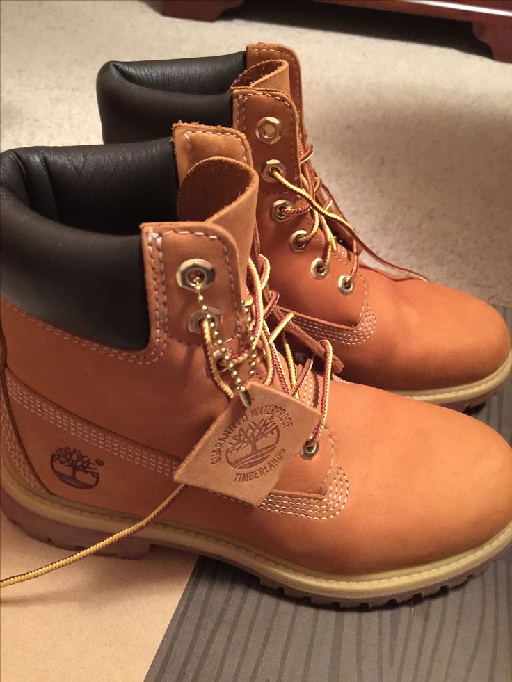 Women classic Timberland boot for sale only $120