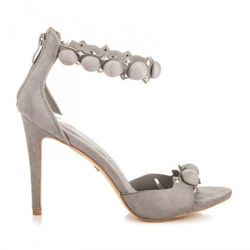 Dámské sandály Seastar Mystana šedé – šedá Více ženské sandály nemůžete ani najít. Dámské sandály se zdobením a v krásné barvě se výborně hodí především na večírky. Sandály s vysokým jehlovým podpatkem jsou vhodné především …