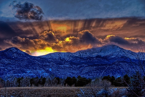 February sunset ~ Colorado Springs THIS IS WHERE I GREW UP!!! I BELONG THERE.