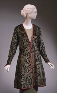 Evening coat, c. 1930, by Mariano Fortuny. From the collections of the Philadelphia Museum of Art.