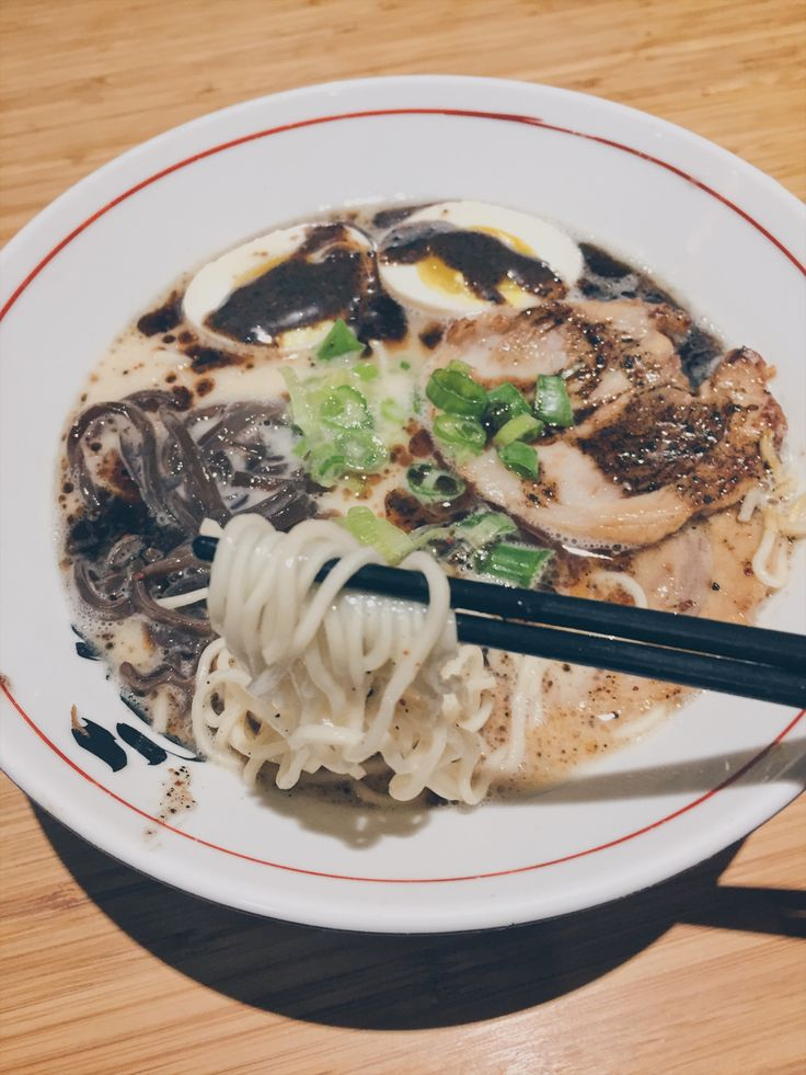 Food review || SANSOTEI RAMEN • Tonkotsu and Tonkotsu Black Ramen || Toronto, Canada