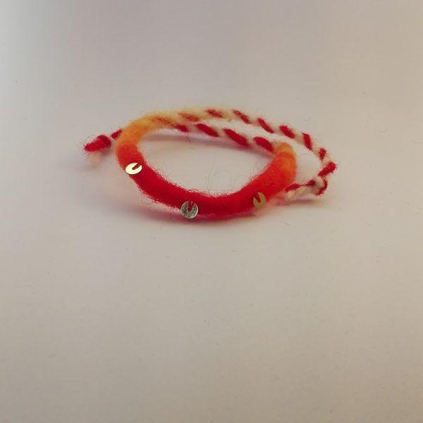 мартеница връв с усукана червена вълна и пайети  dd474f25801