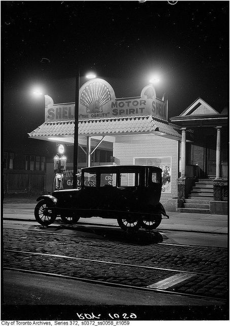 The view of 376 Dupont Street, Toronto, at night, October 31, 1923. #vintage #Canada #1920s