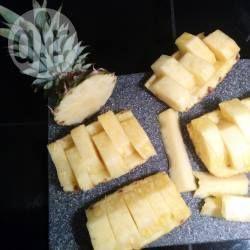 Comment découper un ananas @ allrecipes.fr