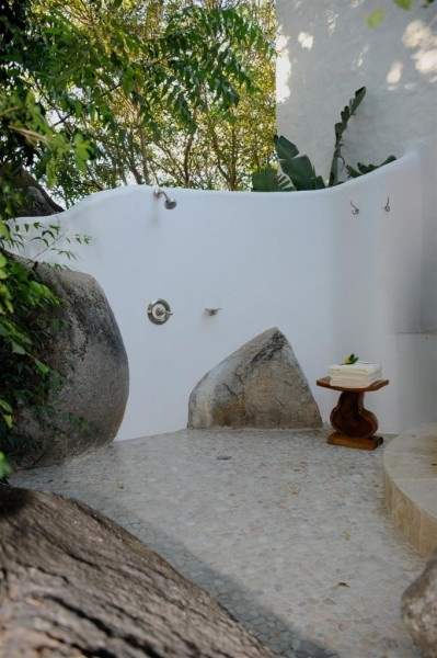 Outdoor shower - I don't need an outdoor shower.. but I like this one : )