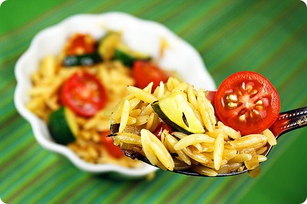 Lemon Orzo with Sauted Zucchini and Tomatoes: Sauteed Zucchini, Side Dishes, Lemony Orzo, Sauté Zucchini, Orzo Salad, Zucchini Tomatoes, Sauted Zucchini, Lemon Orzo, Orzo Zucchini