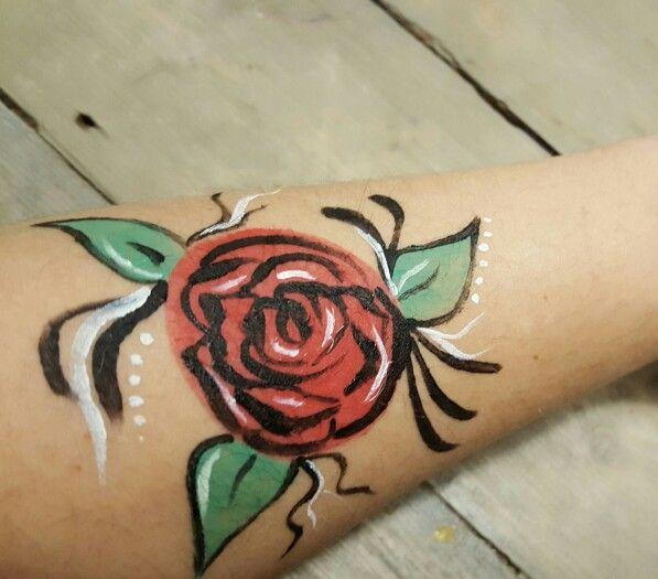 Facepaint bodypaint rose