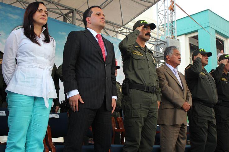 El General Palomino, presente en la entrega oficial de 150 policías al Alcalde Carlos Andrés Trujillo para fortalecer el pie de fuerza de nuestro municipio.