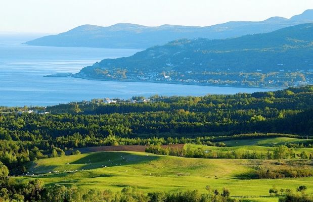 Route 362 is the old riverfront road running through Quebec's Charlevoix region, one of the first regions in Canada to open up to international tourism.