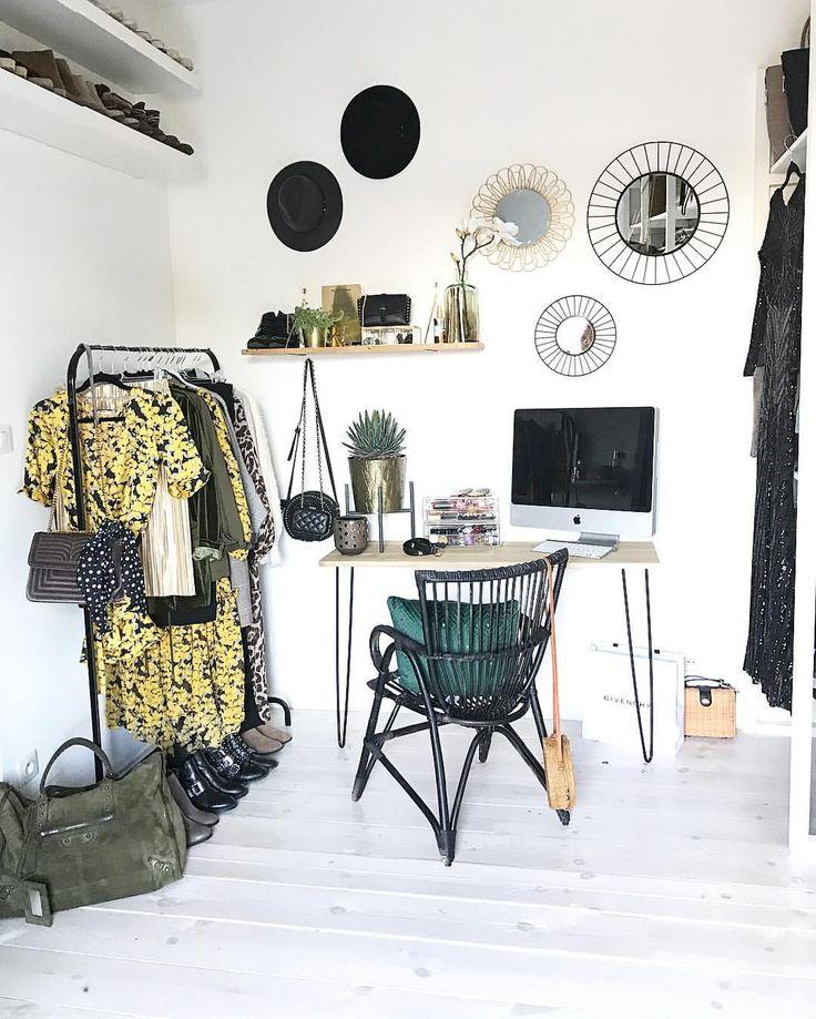 """4,894 mentions J'aime, 102 commentaires - Coppens Rachel (@rachelstyliste) sur Instagram: """"Ma mission d'aujourd'hui ✨créer un espace rangement bureau, accessoires, make-up dans mon dressing.…"""""""