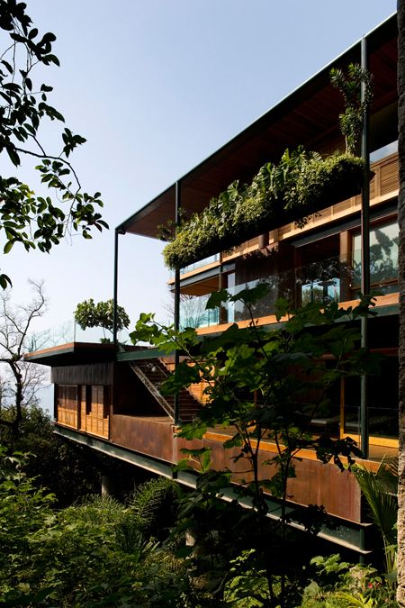 Pin Veredas Arquitetura --- www.veredas.arq.br --- Inspiração: Casa no Guarujá / Bernardes Jacobsen