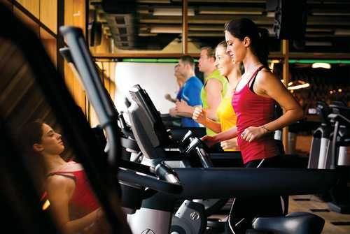 45-минутная тренировка на беговой дорожке для тех, кому скучно