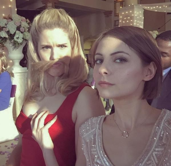 Emily Bett Rickards & Willa Holland <3