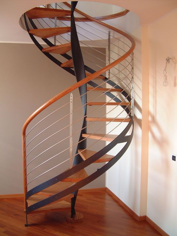 Circular Staircase With Central Stringers Metal Frame And