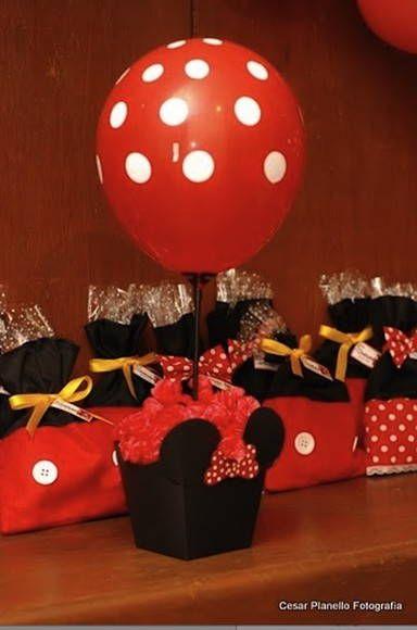 Lindo centro de mesa da Minnie, que posso fazer em rosa...amarelo...enfim de acordo com sua festa.... aste e balão de bolinhas....  criativo e original...  sugiro colocar balas dentro ou cones....  Criado por Helena Beatriz.  pequenos detalhes...  grandes diferenças!    tenho que ver disponibilid...