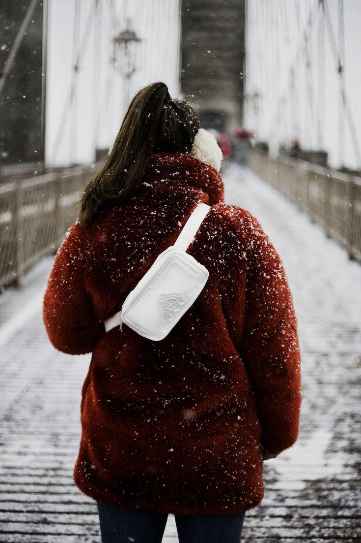 white pouch MeDusa Messineo_Patrizia