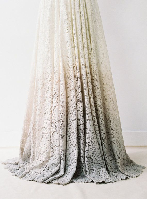 Taylor / / Dip-gefärbt Lace Brautkleid von Truvelle auf Etsy