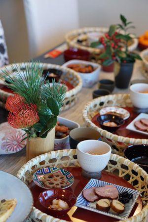 お正月のおもてなし。 Fudanシリーズ_はなはちSサイズ銀朱色   http://j-cocomo.jp