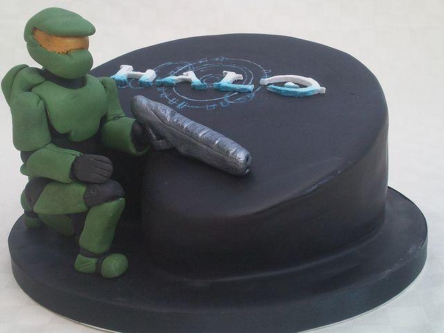 Halo cake by Flo's Cakes, via Flickr