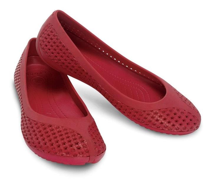 crocs new ballet flats . CrosMesh in raspberry