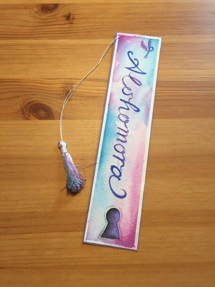 Harry Potter Lesezeichen/ Alohomora/ lila/ groß mit handgefertigter mehrfarbiger Quaste/ Geschenk für Leser von DasAntonerl auf Etsy https://www.etsy.com/de/listing/522747183/harry-potter-lesezeichen-alohomora-lila