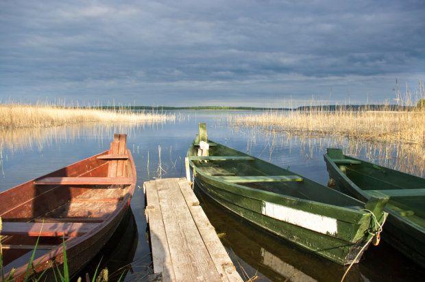 Wigry Lake in Fall (Poland). Miejsca w Polsce, które są szczególnie piękne i ciekawe jesienią