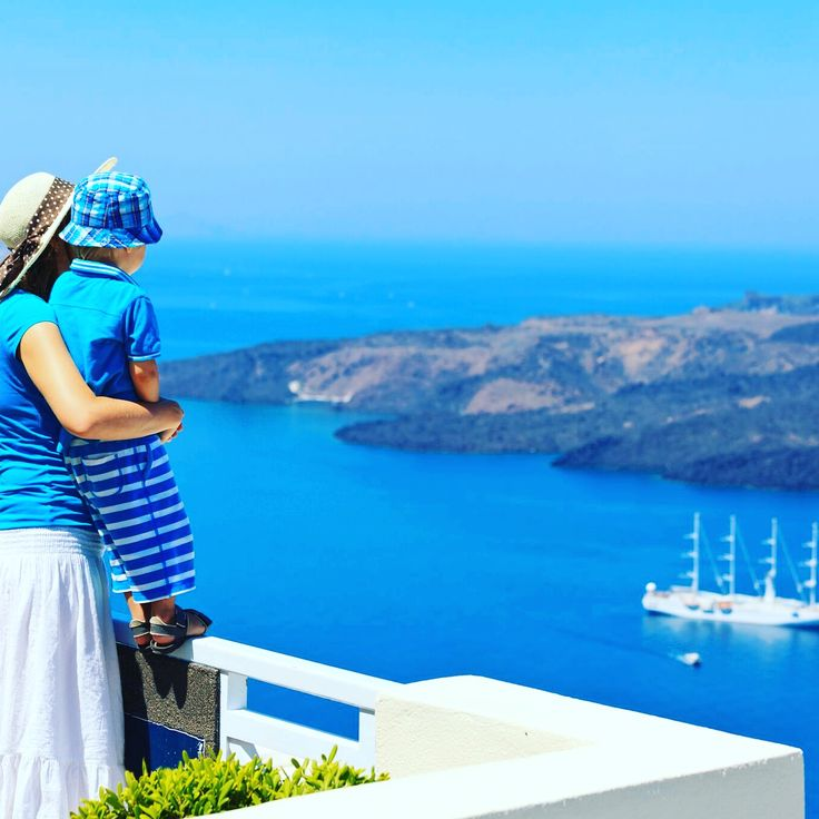 There is no greater pleasure than sharing beautiful moments with people you love! ❤️ We #design your #trip in #greece! You need only to choose whom you are going to #share the #experience with! Find your #inspiration with @inspirationventures