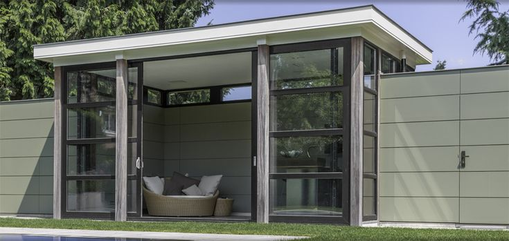 Poolhouse with bar, design Babs Appels and Pieter-Jan van Hasselt