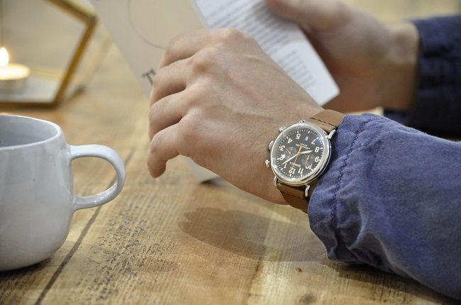 We team up with Shinola Detroit watches for this 2016 review of The Shinola Runwell Chrono 47mm men's timepiece.
