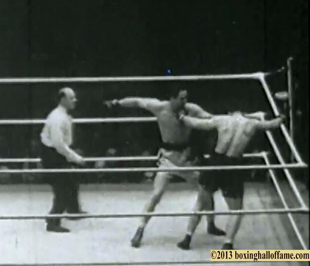 """This Day in Boxing History December 28, 1934 Baer Kos Levinsky . Max Baer stops King Levinsky in the second round of this fight billed as an """"exhibition"""" in 1934, www.boxinghalloffame.com http://youtu.be/cFKPGnVEHxI"""