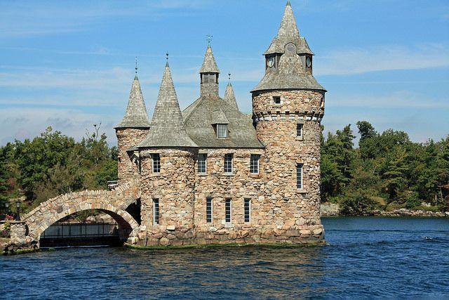 Top 10 Awe-Inspiring Castles in America
