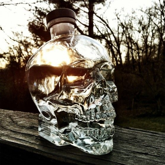 Tutti al bar - Vodka Teschio Di Cristallo - Delicatezza canadese avvolta in un particolare design a forma di teschio