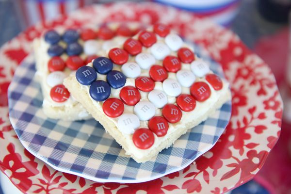 Easy American Flag Cookies made with Red, White, and Blue M's.
