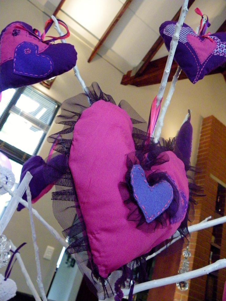 Heart party favors, doubling as table décor