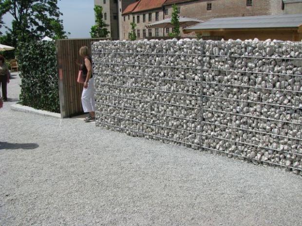 Забор из сетки и камня | Дизайн интерьера