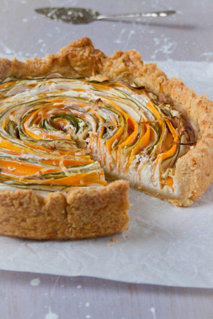 Groente spiraal taart. Een blikvanger op tafel en lekker.