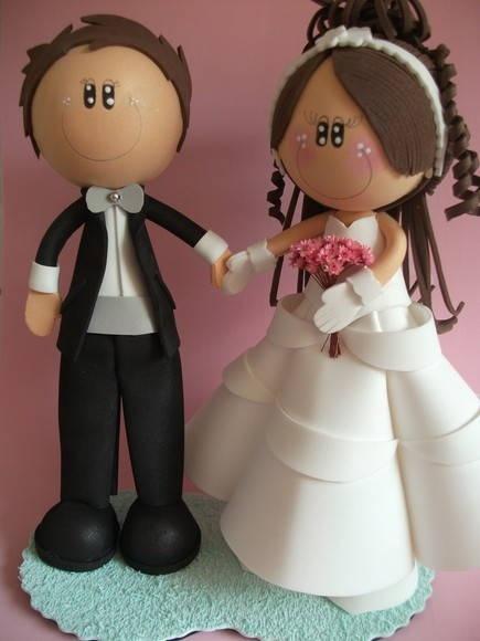 Casal de Noivos, todo em EVA, para topo de bolo ou para outro tipo de decoração. Faço com outras carcterísticas também. R$ 67,20