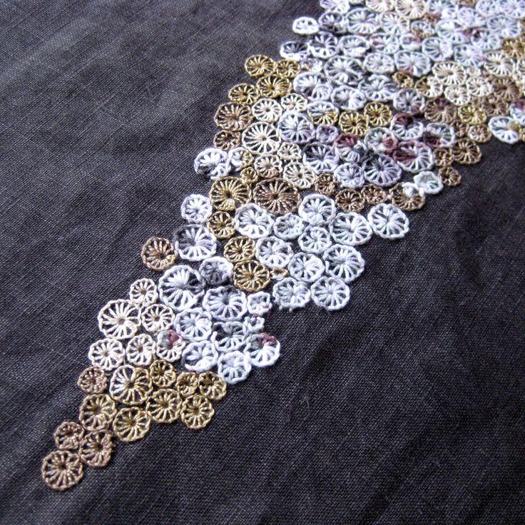 REEF ... šaty lněné s autorskou výšivkou