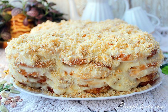 Ленивый торт Наполеон из печенья ушки с заварным кремом.