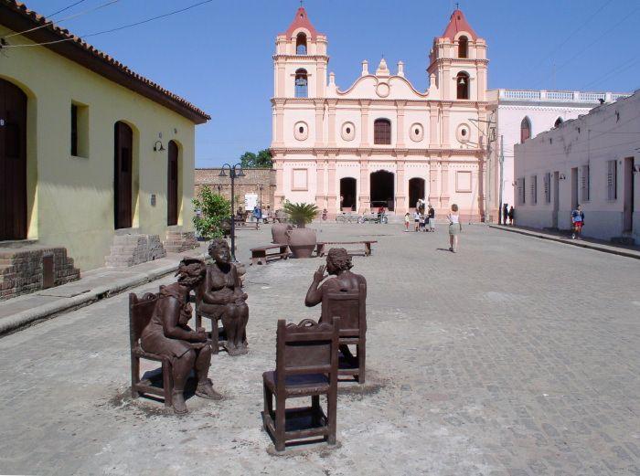 Camaguey, CubaPlaza del Carmen.Al fondo la Iglesia de Nuestra Senora del Carmen
