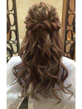なみなみツイストハーフアップ - 24時間いつでもWEB予約OK!ヘアスタイル10万点以上掲載!お気に入りの髪型、人気のヘアスタイルを探すならKirei Style[キレイスタイル]で。