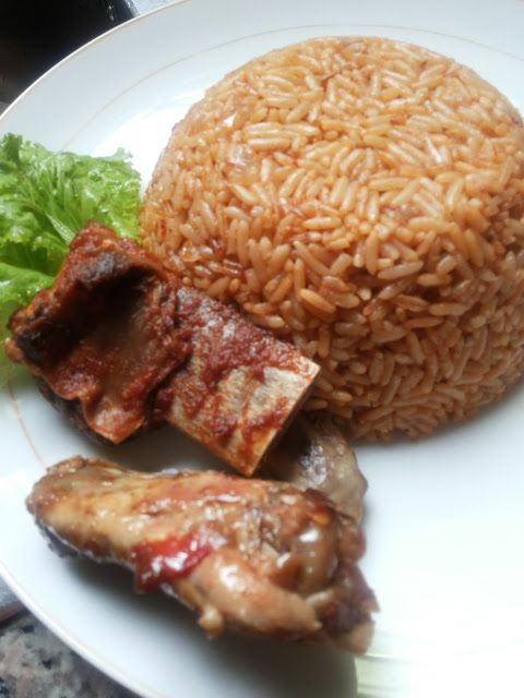 how to cook jollof rice Popular and spicy west african chicken and rice dish - this is a one pot meal with chicken, rice, fresh green beans, onions, and carrots all stewed together with.