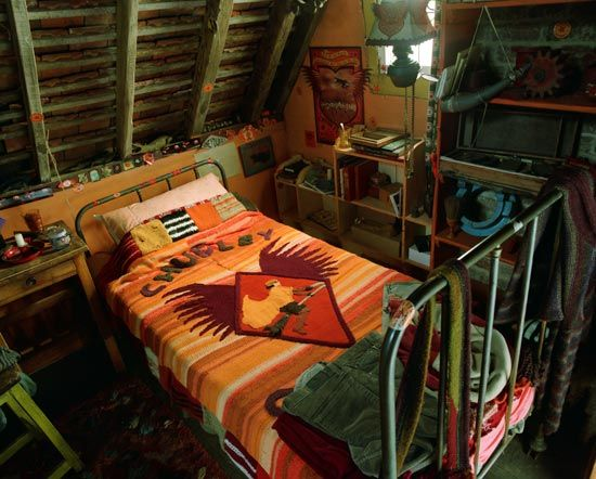 If I could knit those two blankets and the scarves, I would. [Ron's Room - The Burrow]